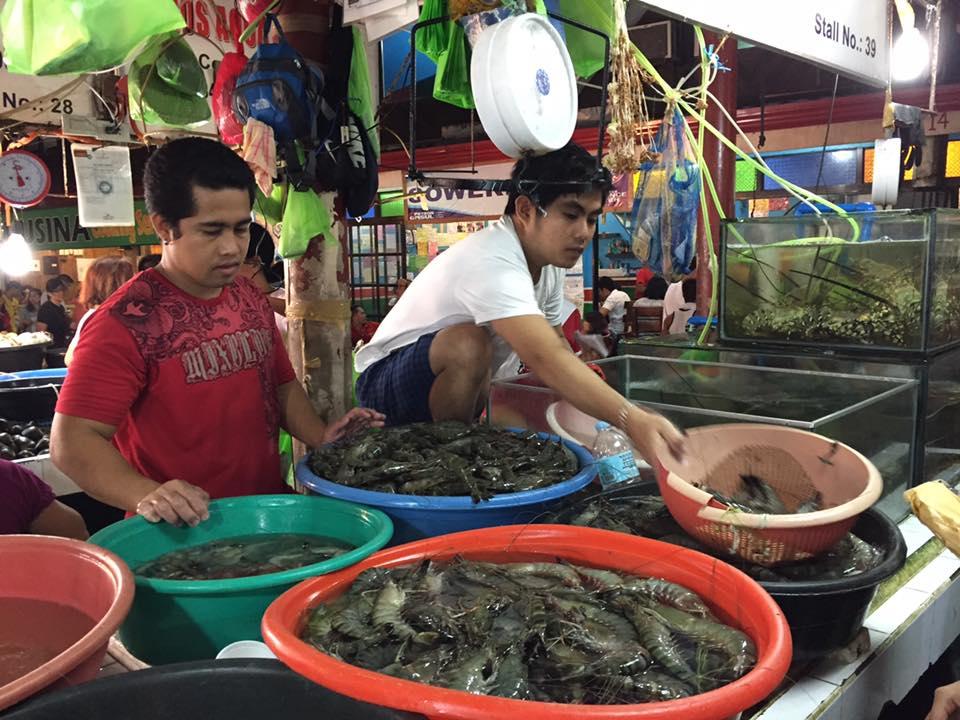 Bán hải sản ở chợD'talipapa