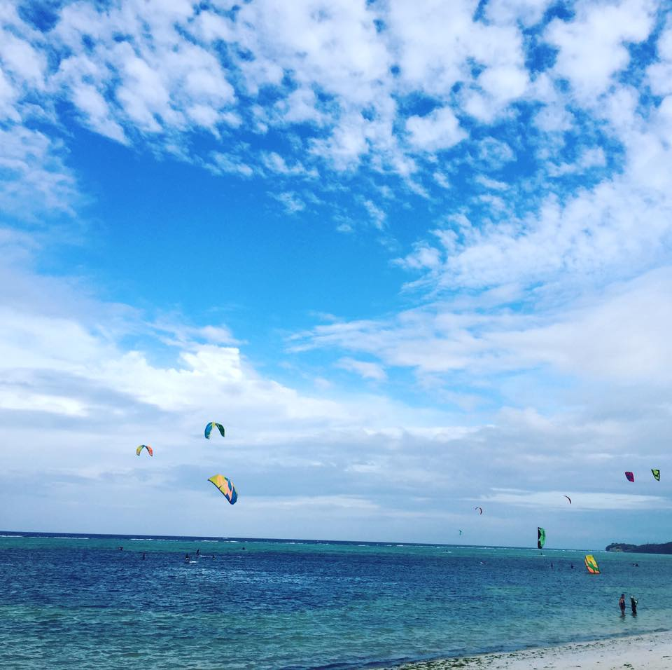 Bãi biển Bulabog là nơi để chơi lướt ván