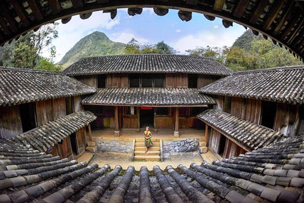 Dinh thự vua Mèo Hà Giang