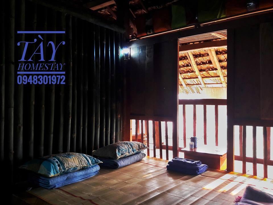 Không gian nhà cổ, rộng rãi, vẫn giữ đầy đủ về lối kiến trúc nhà truyền thống của dân tộc Tày