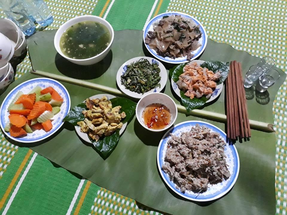 Thưởng thức các món ăn dân tộc đặc sắc của Tày Homestay
