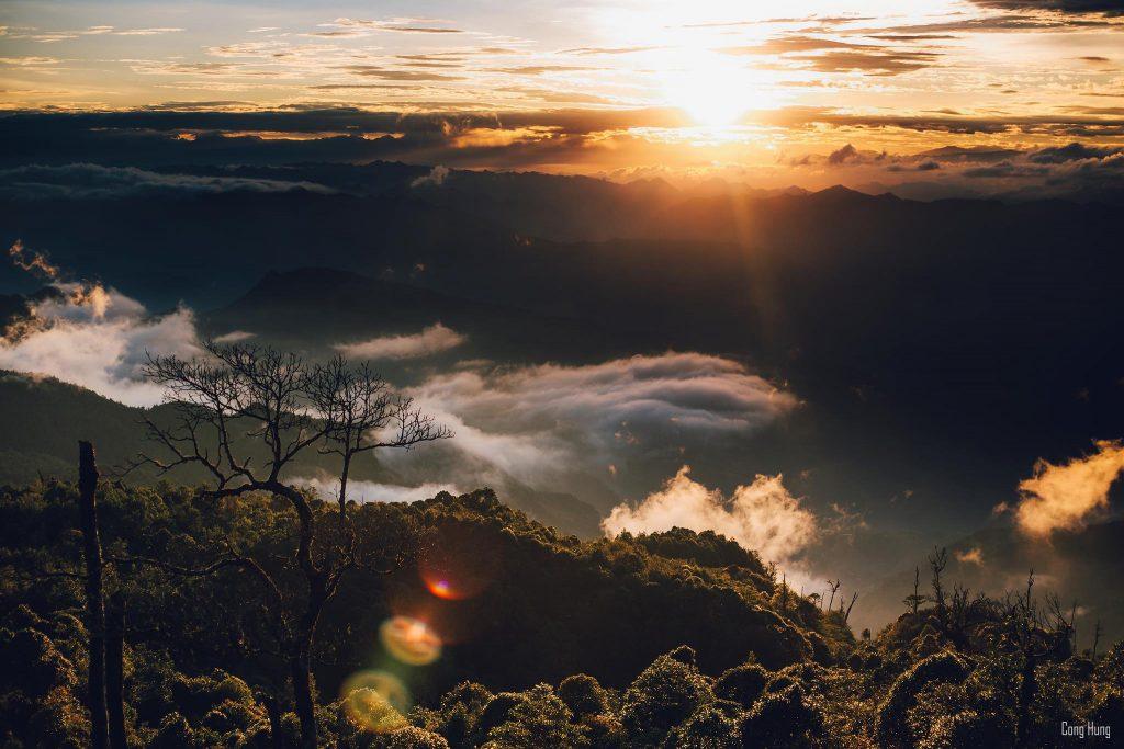 Hoàng Hôn trên đỉnh Chiêu Lầu Thi