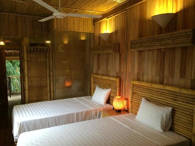 Phòng homestay Dao Lodge dao động từ 250K-300K theo mùa.
