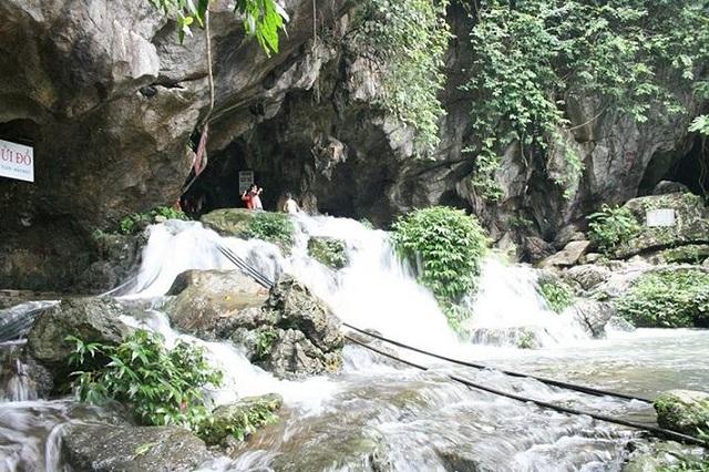 Hang Phượng Hoàng, suối Mỏ Gà - địa điểm du lịch hấp dẫn ở Thái Nguyên
