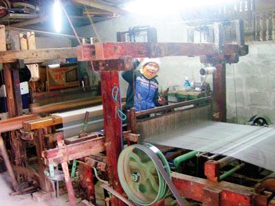 Làng nghề dệt lụa truyền thống ở Nha Xá
