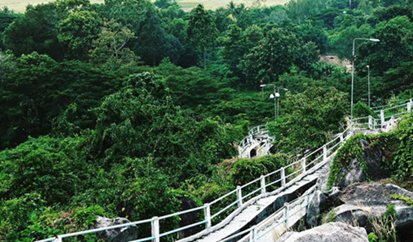 Đồi Tức Dụp địa điểm du lịch ở An Giang