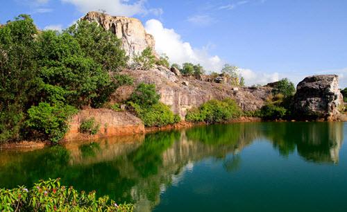 Hồ Tà Pạ địa điểm du lịch ở An Giang
