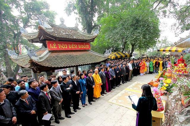 Lễ hội đền đuổm - nên du lịch Thái Nguyên vào thời điểm nào
