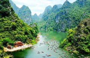 Ninh Bình là điểm đến thú vị nếu bạn chưa biết tháng 2 nên đi du lịch ở đâu. Ảnh Internet
