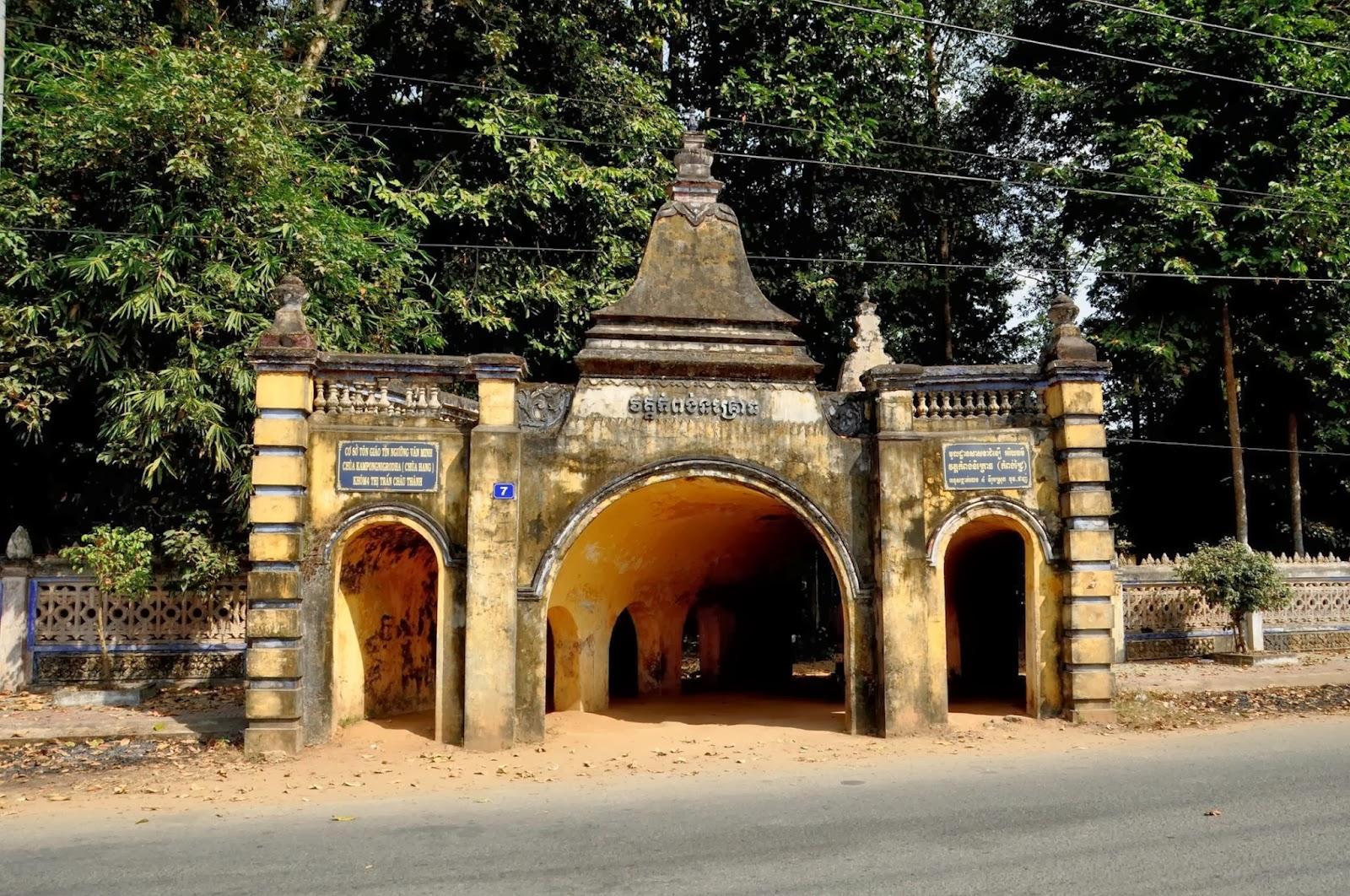 Chùa Hang (Chùa cò) Cù lao Tân Quy - địa điểm phải đến khi đi du lịch Trà Vinh