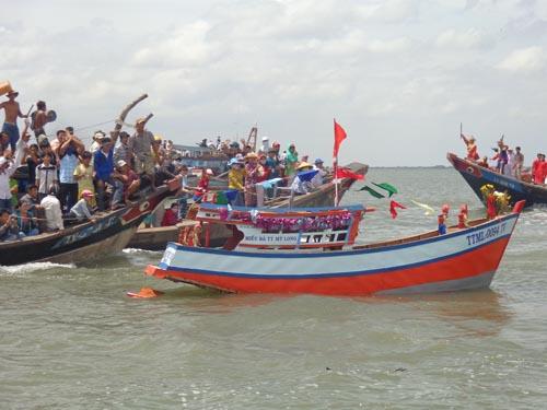 Lễ hội cúng biển Mỹ Long