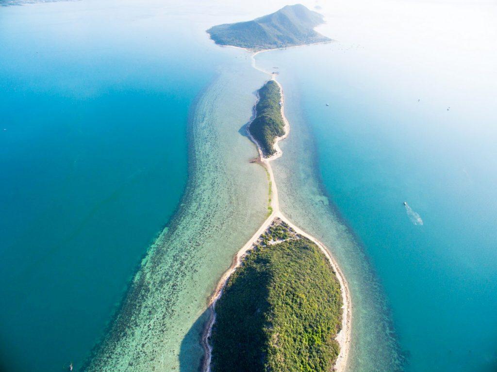 u lịch đảo Điệp Sơn với con đường đi bộ giữa biển độc đáo