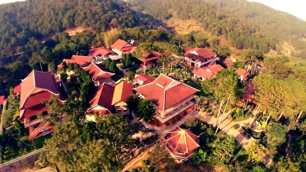 Thiền Viện Trúc Lâm Đà Lạt nhìn từ trên cao. Ảnh Internet