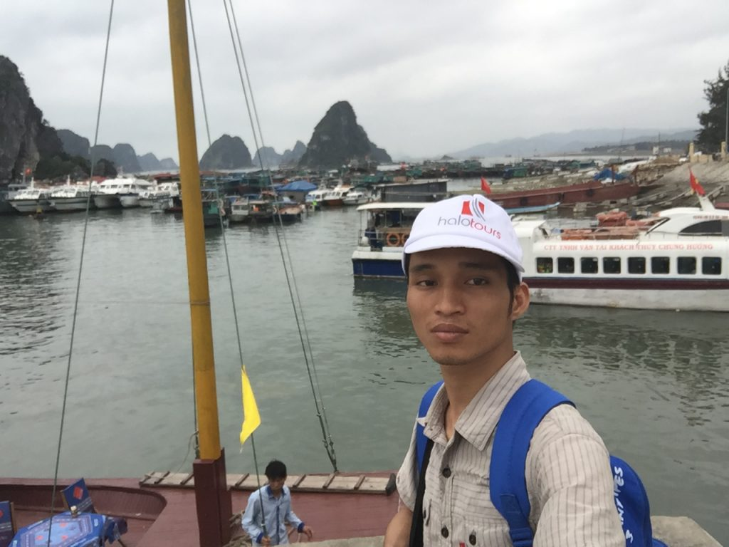 Đi tàu cao tốc từ cảng Cái Rồng