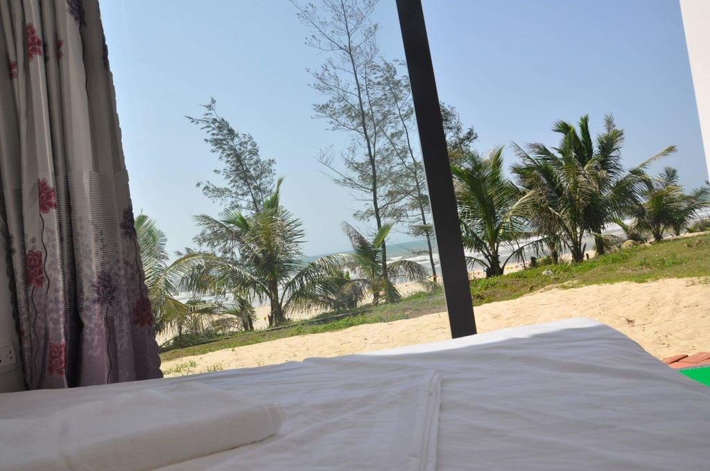khách sạn container amazing Quan Lạn view từ phòng ra Biển