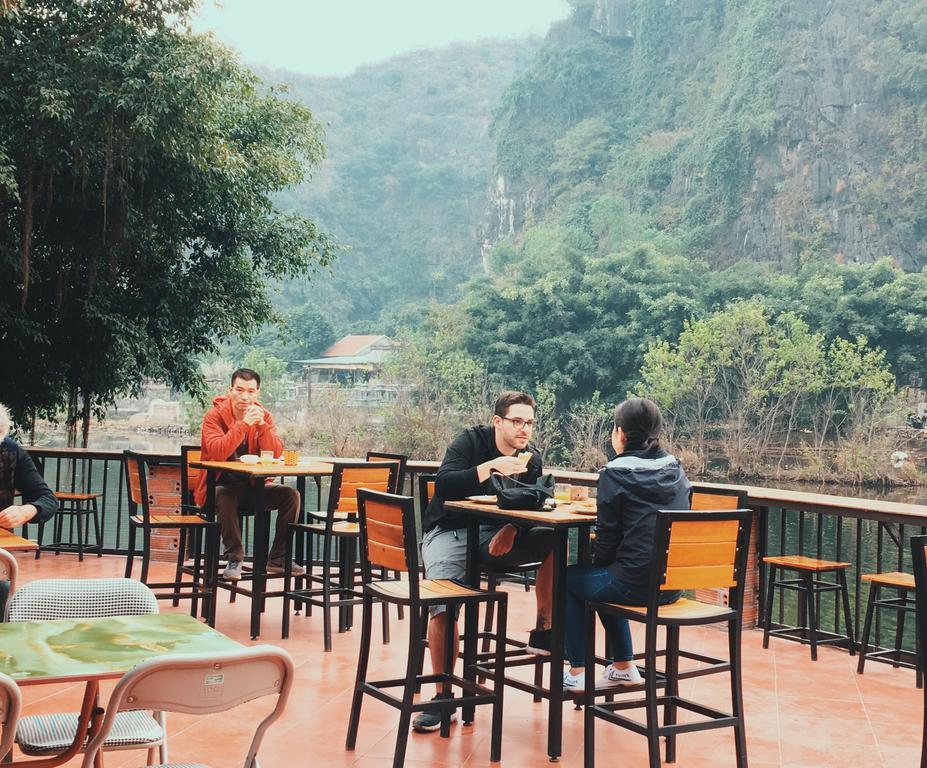 View Sông Ngô Đồng thơ mộng