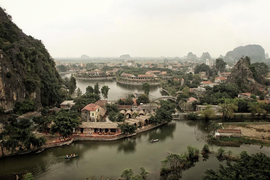 Toàn cảnh Tam Cốc Bungalow Ninh Bình