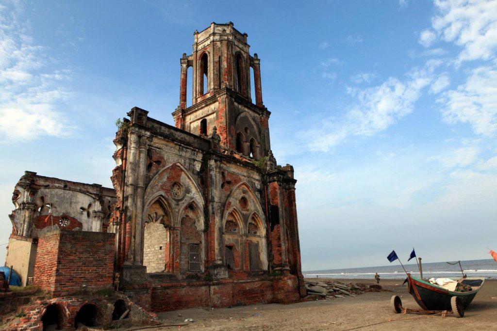 Độc đáo nhà thờ Đổ, Hải Hậu Nam Định