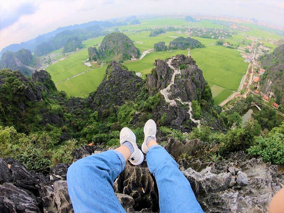 Toàn cảnh Ninh Bình trên đỉnh Núi Ngọa Long