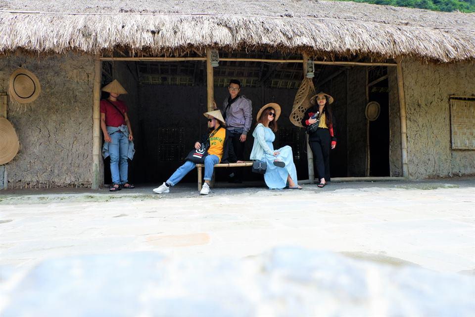 Check-in nơi Hà Anh Tuấn biểu diễn See Share Sing