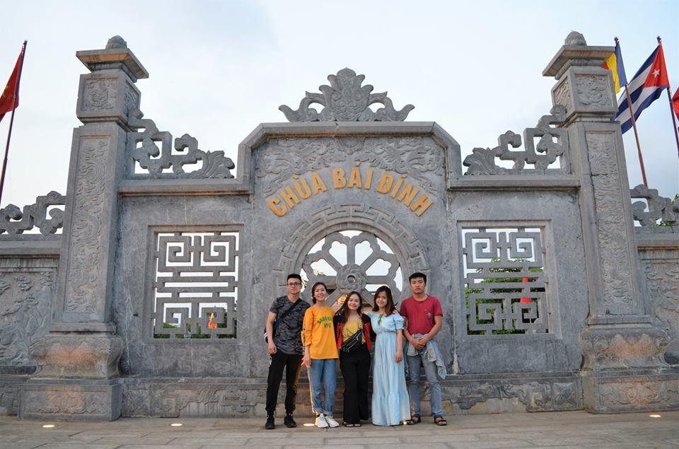 Cổng vào chùa Bái Đính