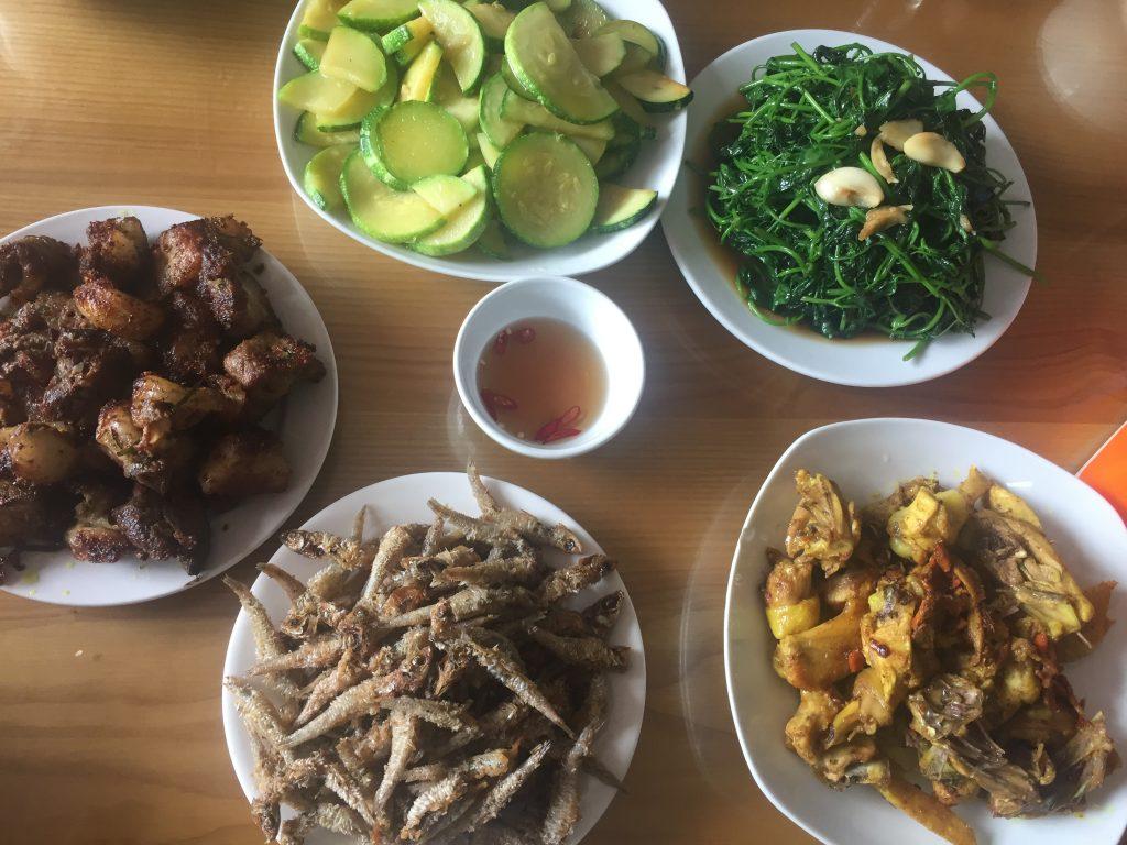 Bữa cơm trưa ở Yên Minh
