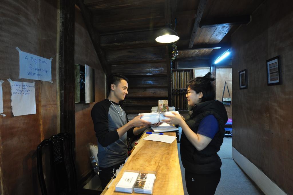 Quầy Bar và lễ tân luôn luôn nhiệt tình và phục vụ với chất lượng dịch vụ 5 sao.